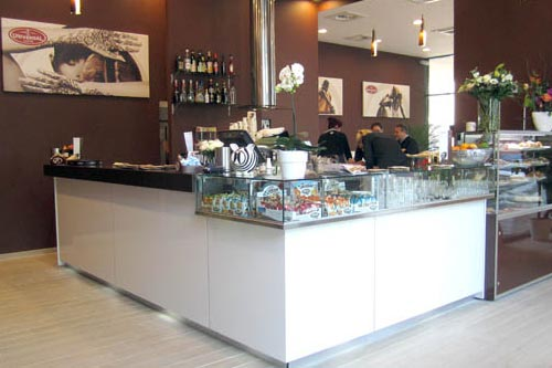 Universal affascina l'Olanda, inaugurato nuovo bar a Maarssen (Utrecht)