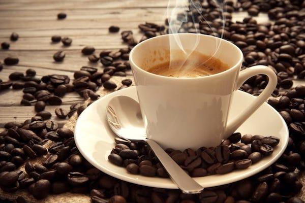 Disturbi dell'umore, 4 caffè al giorno riducono il rischio