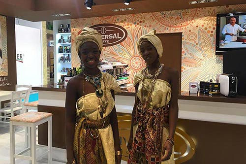 Il 'made in Italy' di Universal Caffe' conquista l'Asia ad Host 2015